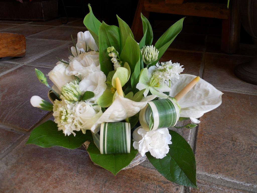 お供えの花 生花アレンジメント Mサイズ 参考No.3